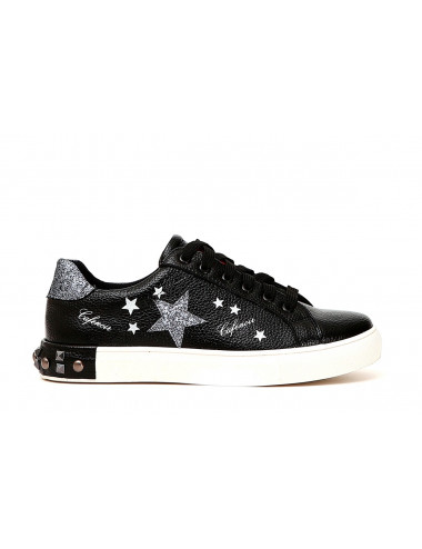 Sneakers in stampa stelle con borchie